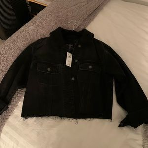 A&F black crop denim jacket